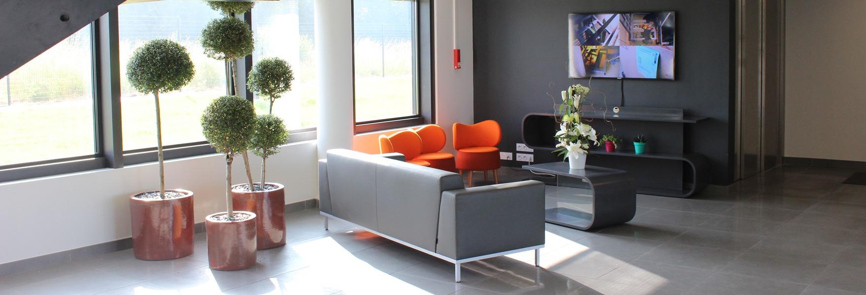 Conception de banque d'accueil et comptoir d'accueil design - Creativ Mobilier