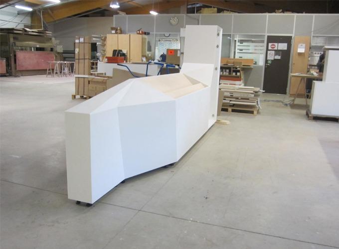 Fabrication meuble sur-mesure résine Corian