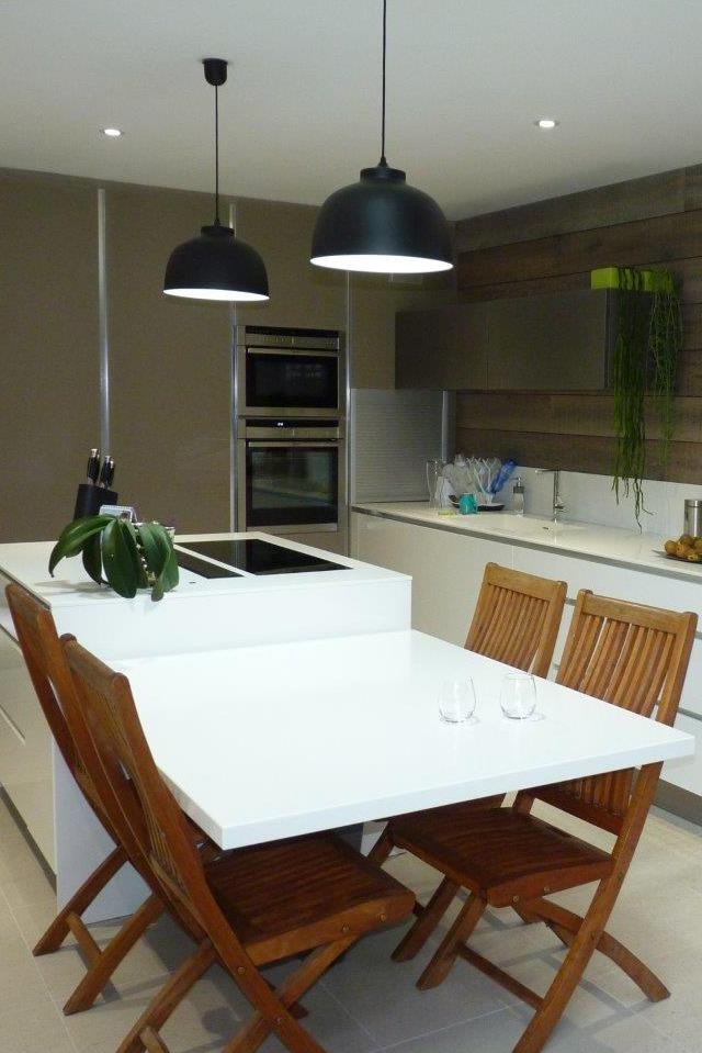 Plan de travail cuisine composite vier en rsine encastrer for Resine pour plan de travail cuisine