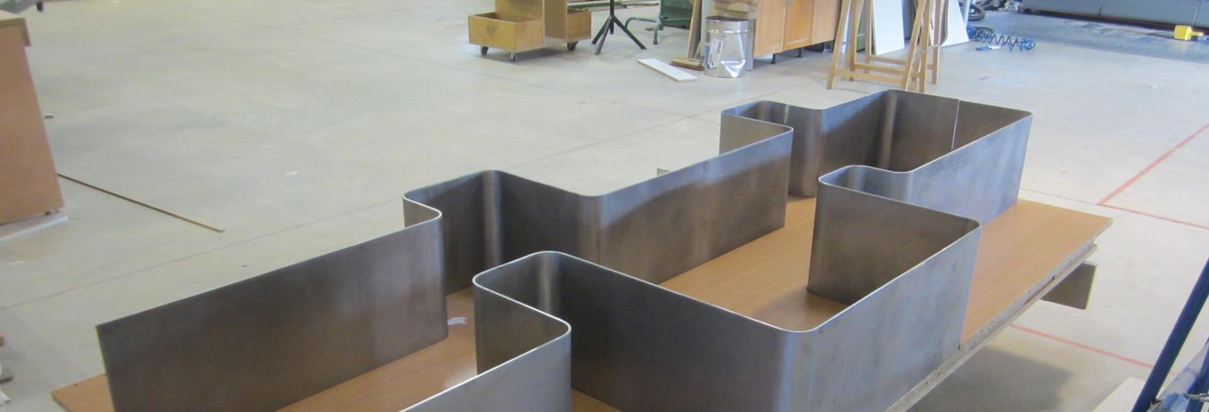 Etagères métalliques