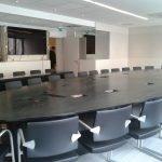 Aménagement d'une salle de réunion, avec intégration de l'audio/vidéo
