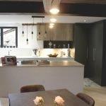 cuisine sur-mesure bois, béton et carreaux de ciment
