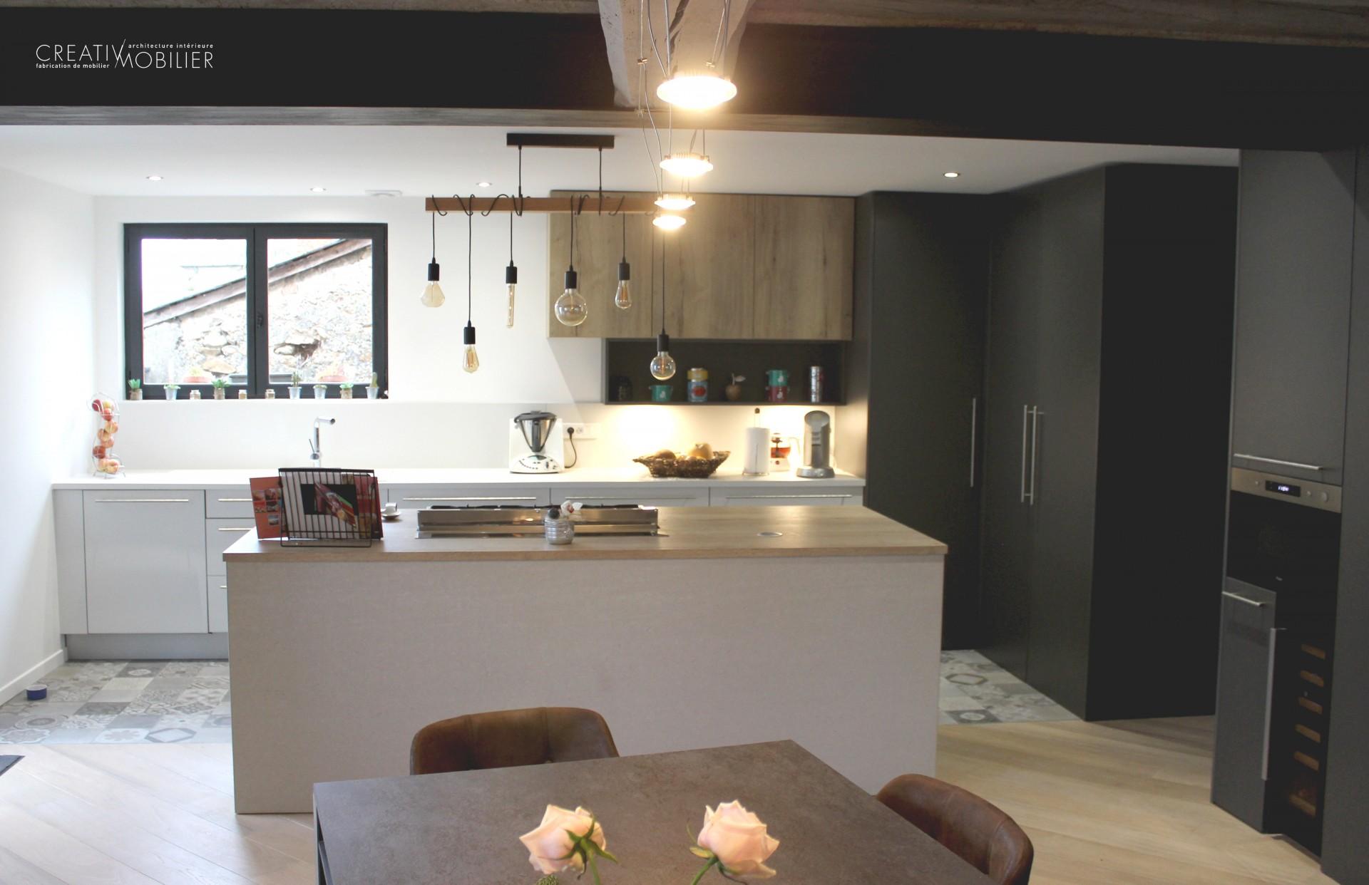 des astuces et des solutions astucieuses pour les petites et grandes cuisines. Black Bedroom Furniture Sets. Home Design Ideas