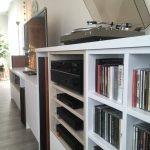 Aménagement d'un salon avec un meuble TV bibliothèque Angers Paris